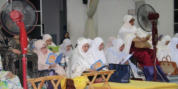 KELUARGA DIRAJA PAHANG MERAIKAN 200 ASNAF BERBUKA PUASA & PENGURNIAAN SUMBANGAN (14)