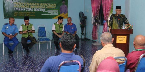 Majlis Sampaikan Bantuan 25 Mangsa Ribut (10)